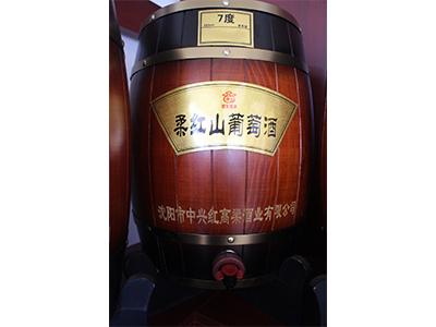 柔红山葡萄酒